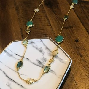EUC Ann Taylor Necklace in Gold, Green, and Ivory